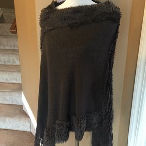 Sweaters - Brown Fur Trimmed Shaw